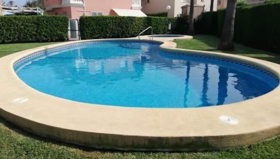 Casa Adosada en venta en Oliva, Valencia