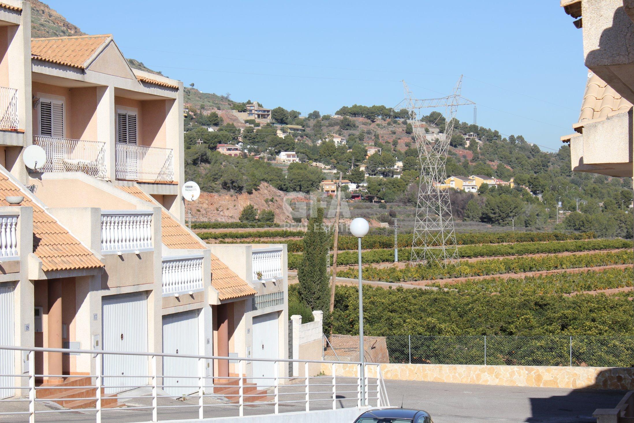 Chalet Pareado en Gilet (Valencia)