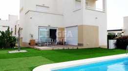 Chalet en Cartagena (Murcia) porche piscina