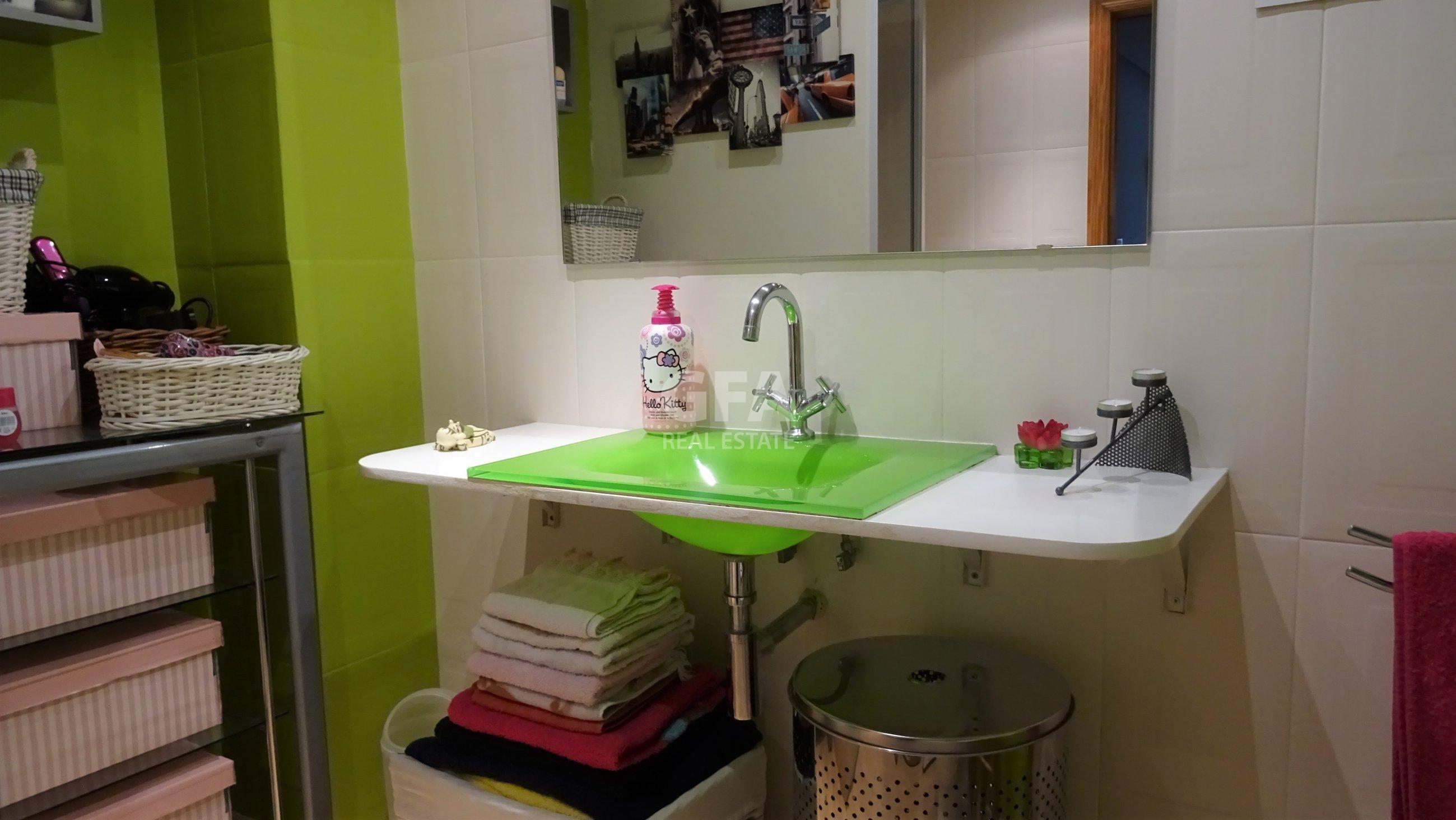 Piso en Gandía zona Corea cuarto de baño moderno