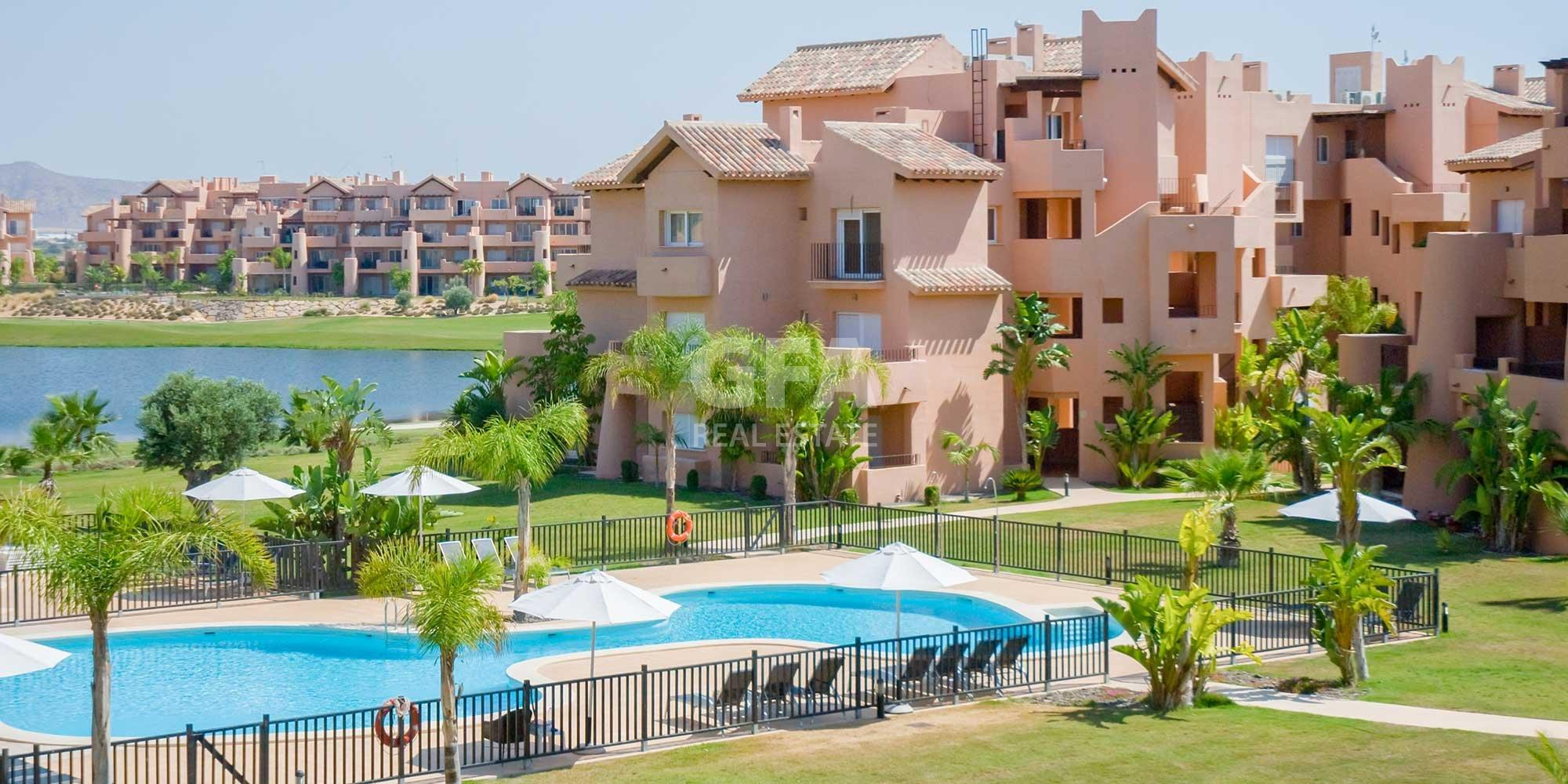 Residencial obra nueva Mar Menor Golf Resort piscina y zonas comunes
