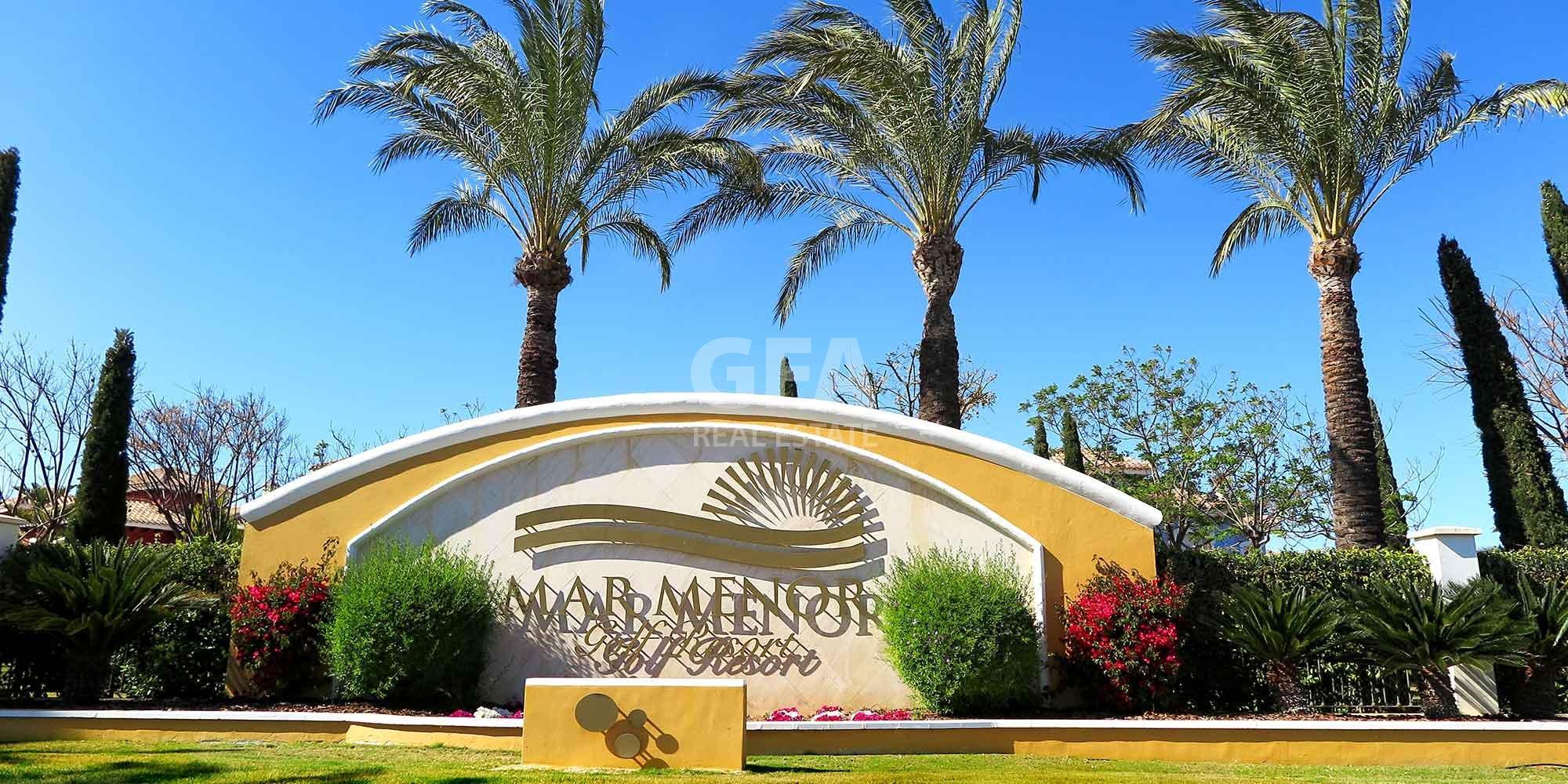 Residencial obra nueva Mar Menor Golf Resort entrada al residencial