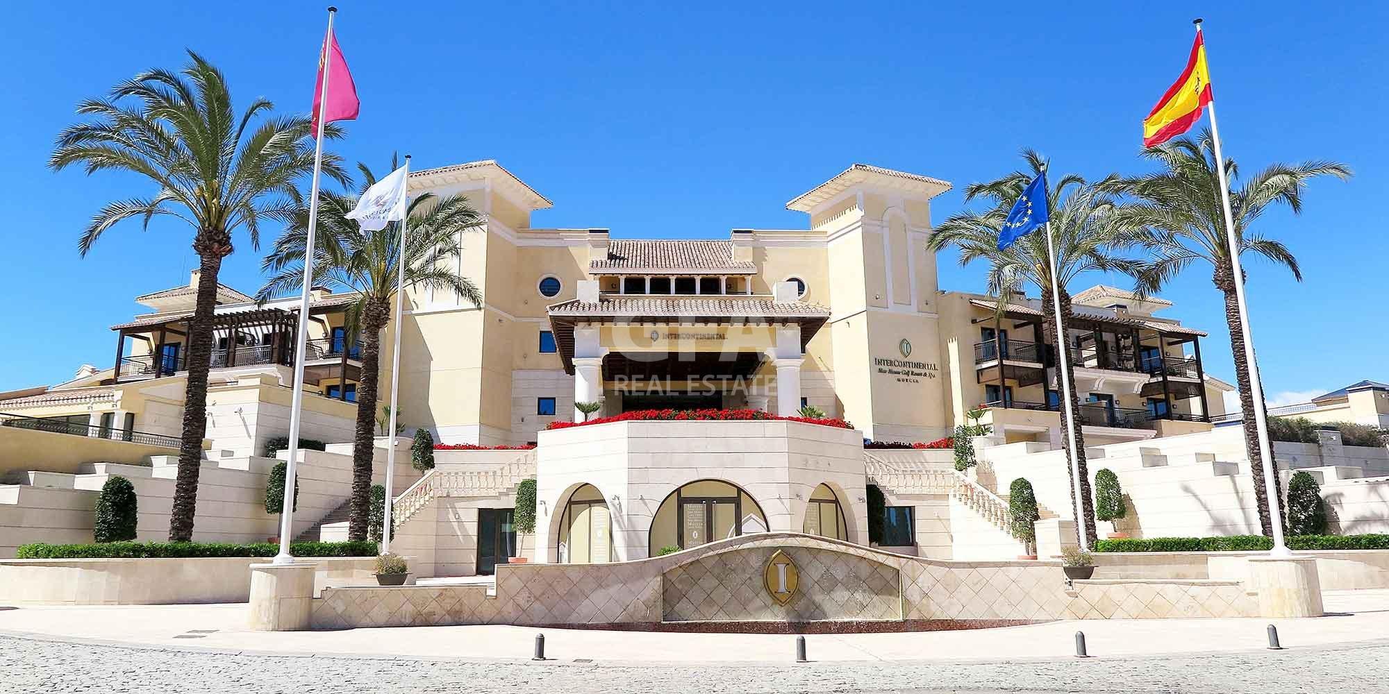Residencial obra nueva Mar Menor Golf Resort entrada principal