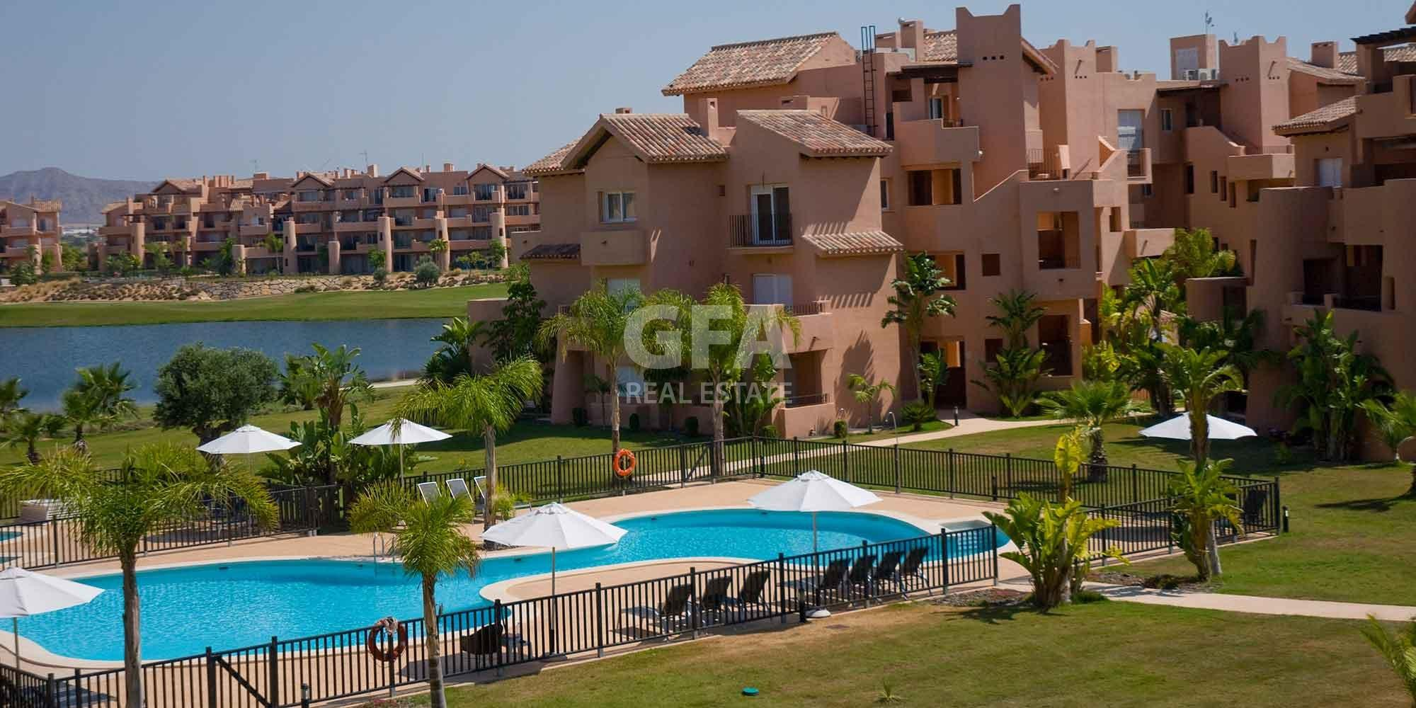 Residencial obra nueva Mar Menor Golf Resort piscina zonas comunes