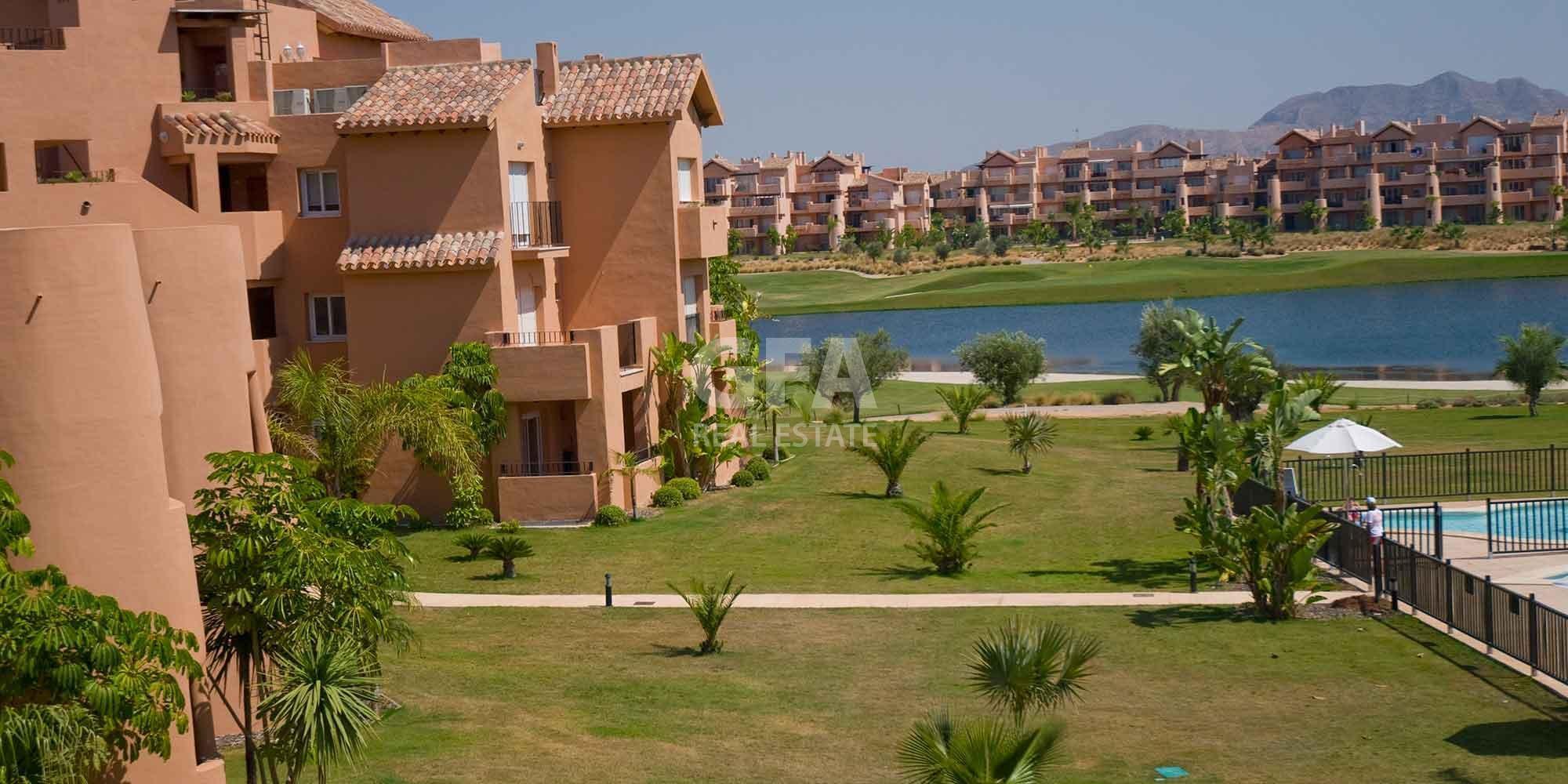 Residencial obra nueva Mar Menor Golf Resort vista aérea bungalouws
