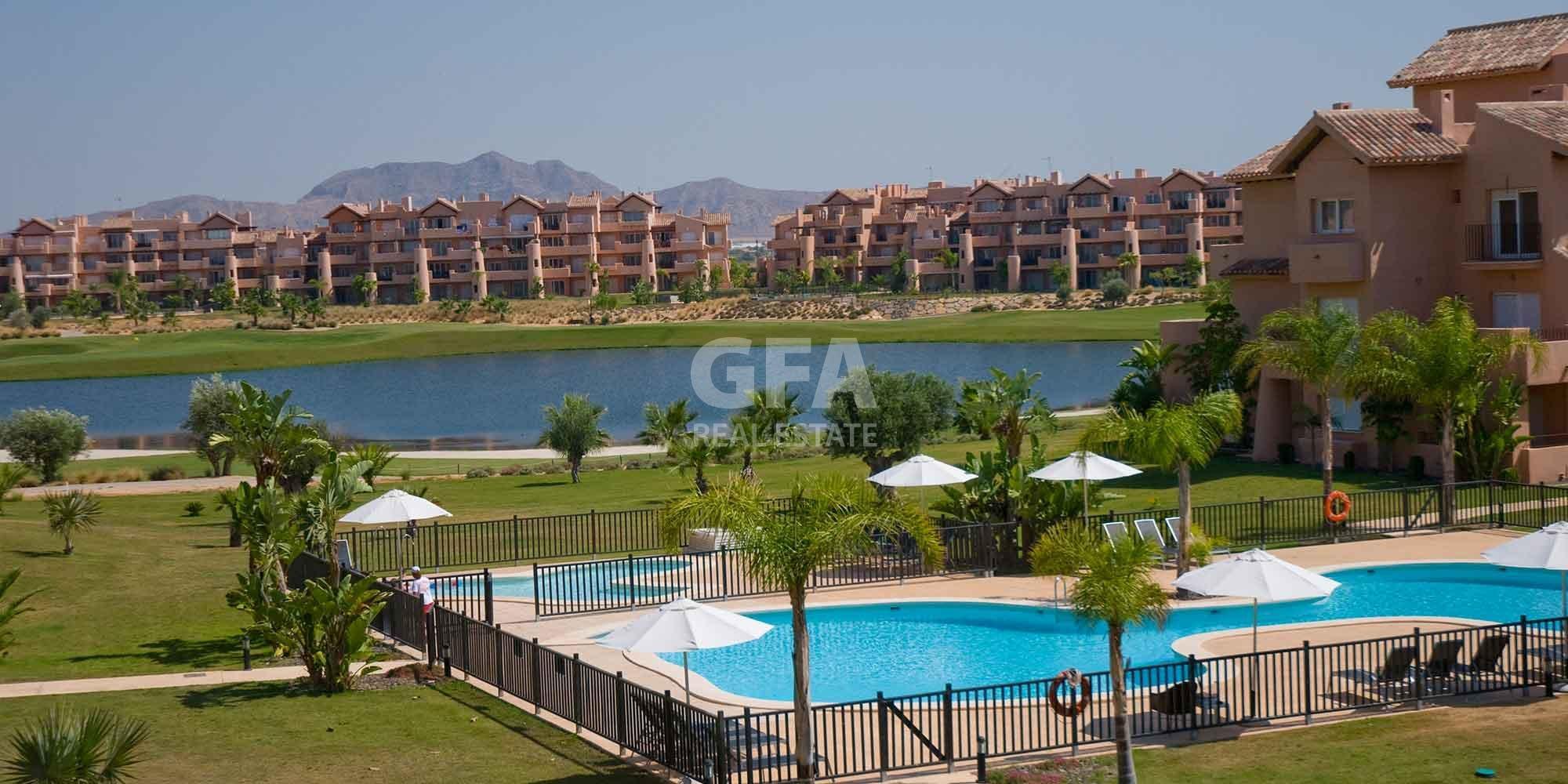 Residencial obra nueva Mar Menor Golf Resort vista aérea complejo